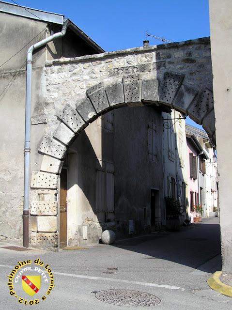Pont-Saint-Vincent - Porte de France