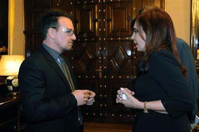 Bono y Cristina Fernández, presidenta de Argentina en Marzo de 2011
