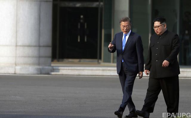 Лідери КНДР і Південної Кореї провели незаплановану зустріч