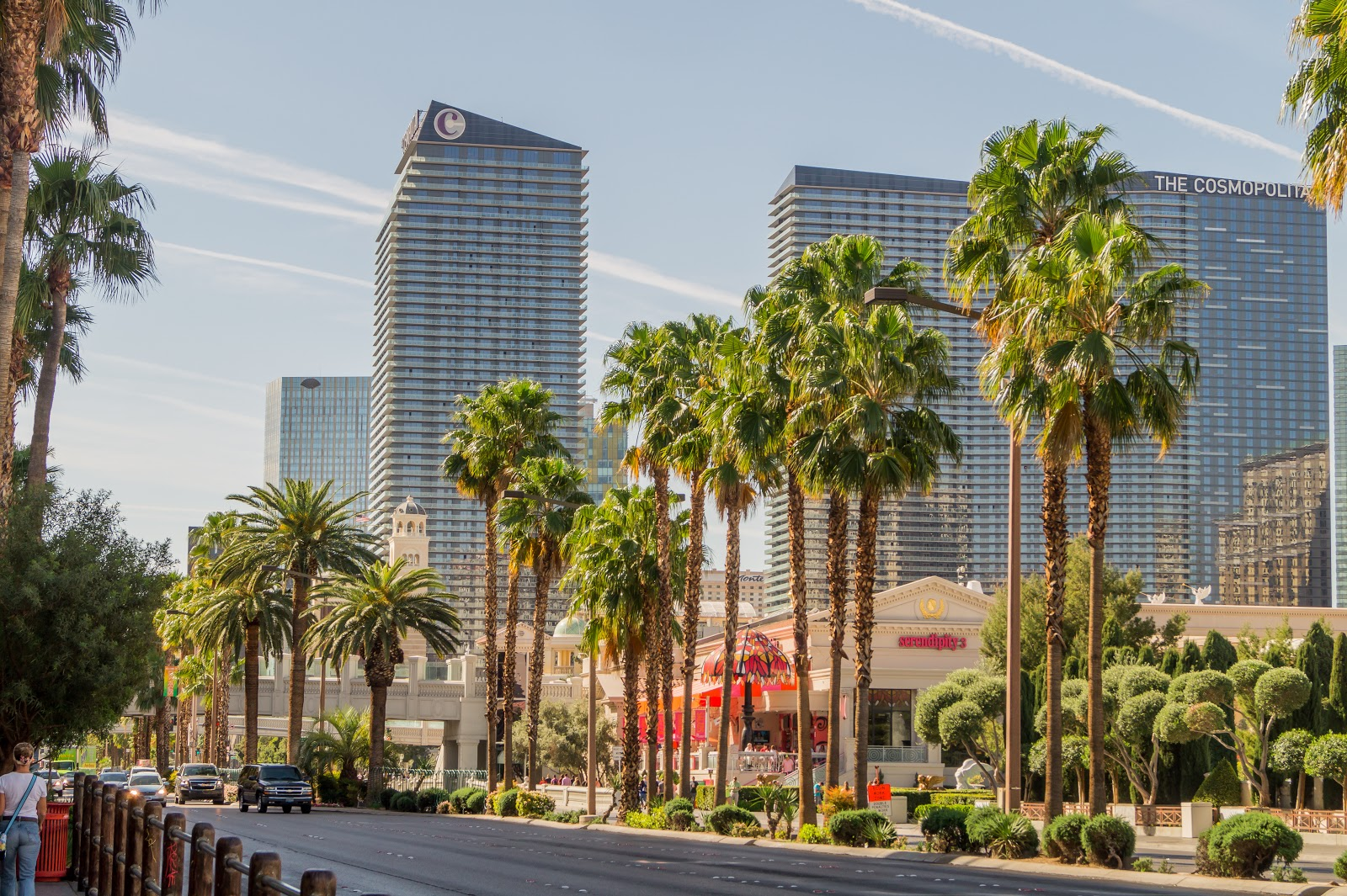 Лас-Вегас - город на западе США, расположенный в центре пустыни Мохаве