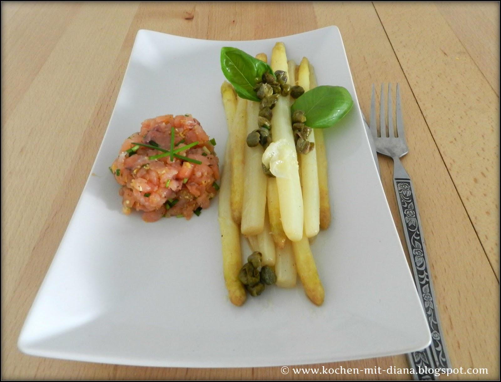 Spargel mit Limetten-Butter, Kapern und Lachstatar