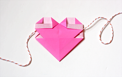 Paper Garland Try Solid Color Hearts Folded From Origami They Even Have A Pocket In The Back To Run Your String Through So No Taping Needed