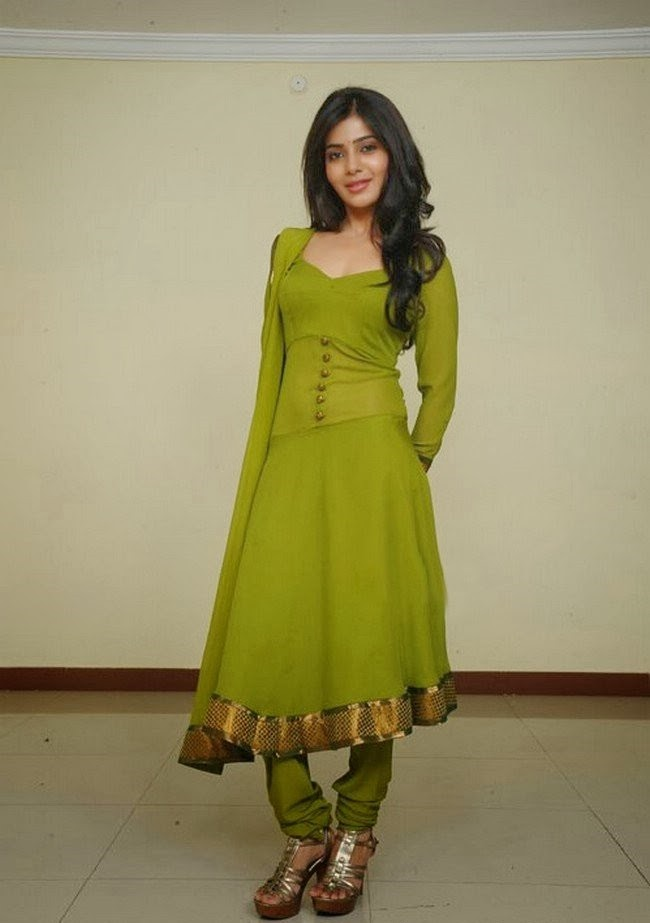 Samantha Latest Beautiful Stills In Green Dress