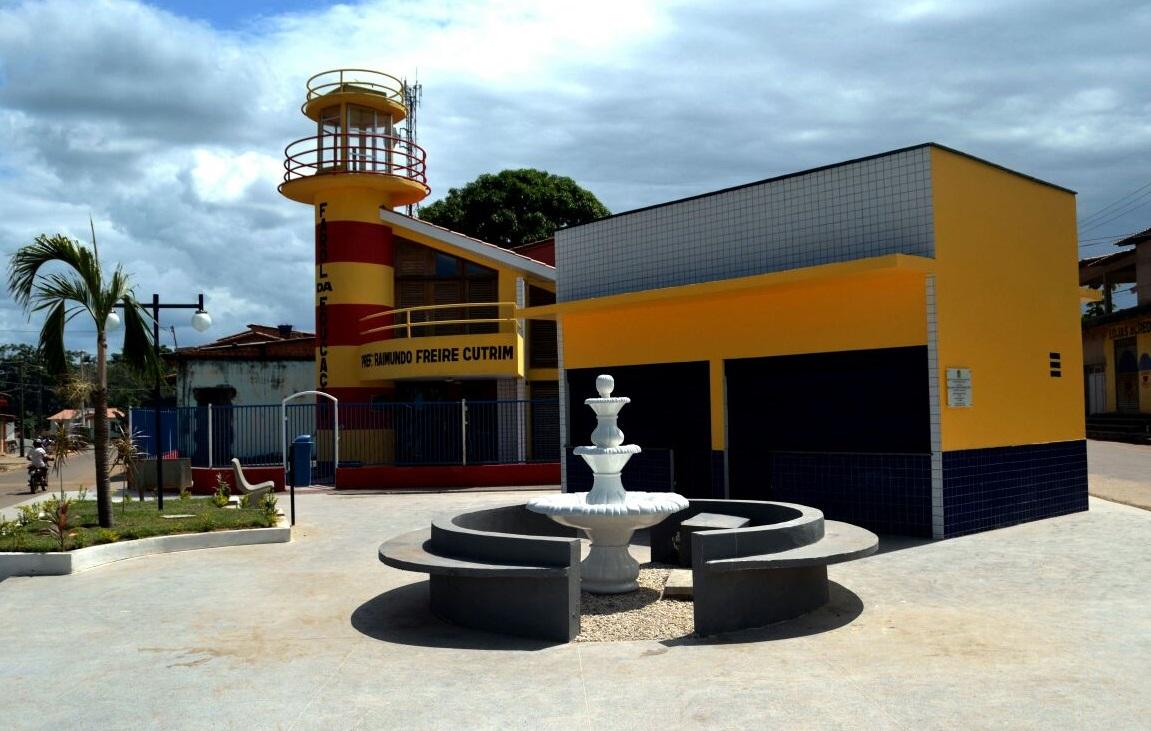Resultado de imagem para Costinha entrega praça em Olinda Nova do Maranhão