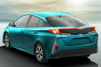 All New 2017 Toyota Prius Prime HD Images