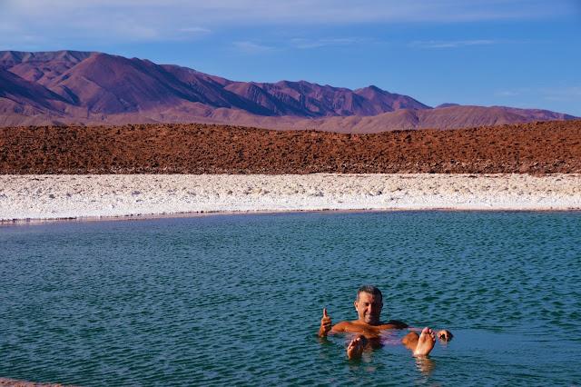 Não mergulhem a cabeça como mor fez hahaha - Lagunas Escondidas, Atacama