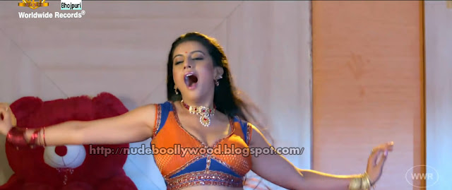 Bhojpuri actress hot navel share