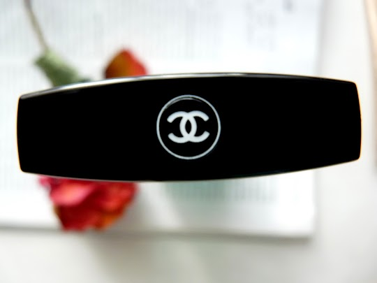 Chanel Demaquillant Yeux Intense
