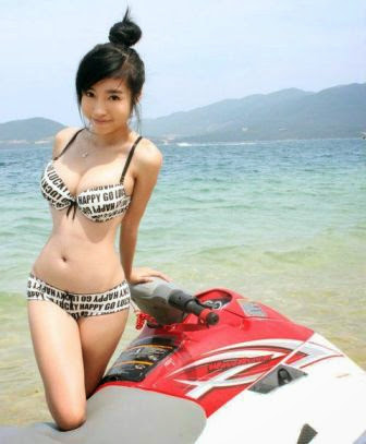 Image result for FOTO SHOOT CEWEK ASIA PAKE BAJU TAPI GA PAKE BH