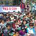 यस वी कैन संस्था ने गरीब बच्चो को बांटी यूनिफार्म