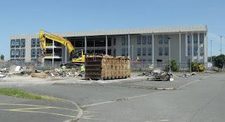 Ysgol Newydd, New School
