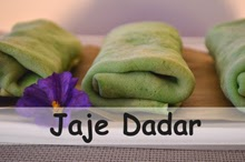 http://www.aworldinmyoven.com/2014/03/jaje-dadar-balinese-coconut-crepes.html