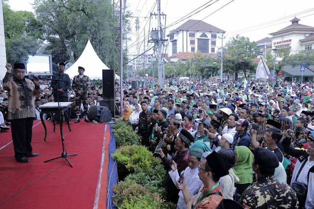 Puluhan Ribu Nahdliyin Meriahkan Harlah ke-96 NU di Semarang