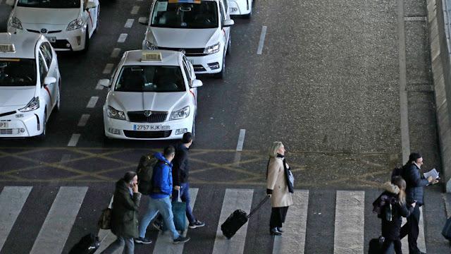 Huelga masiva de taxistas en Madrid y Barcelona: Continúa el conflicto contra Uber y Cabify