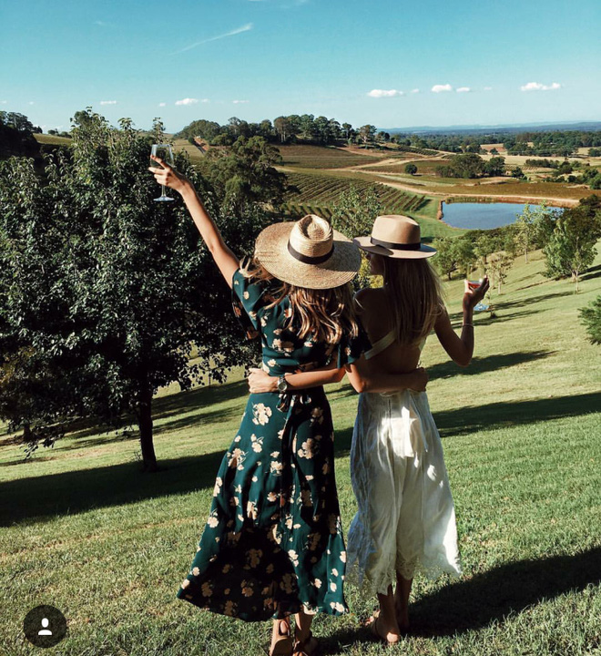 """2 Cô bạn thân xinh đẹp khơi dậy trào lưu """"đi du lịch khắp thế giới cùng cô bạn gái thân 36"""
