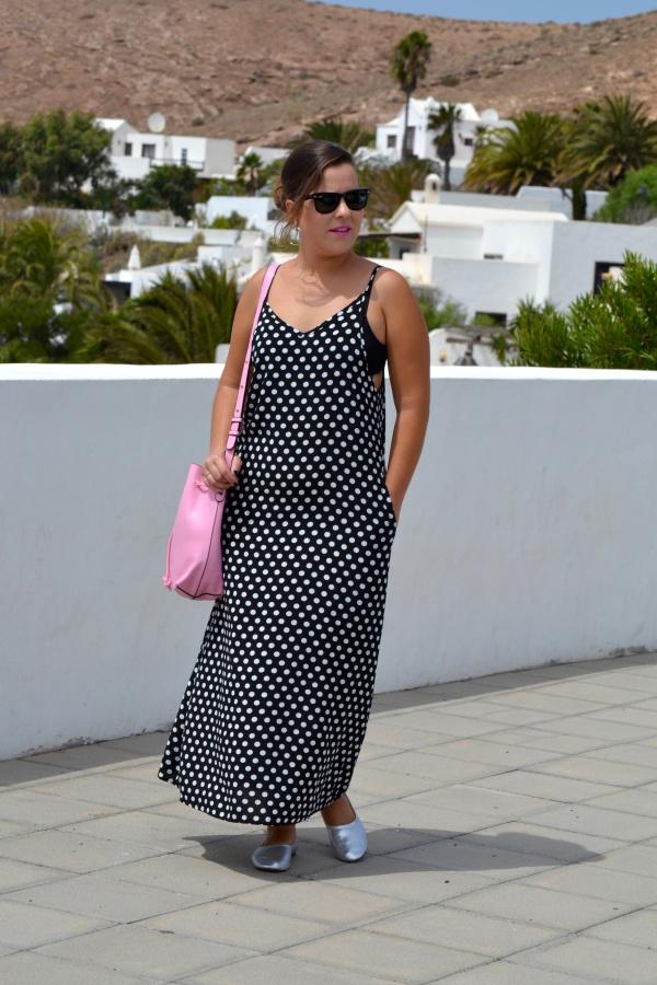 dresslily_review_summer_dresses_vestido_lunares_look_bolso_rosa_lolalolailo_05