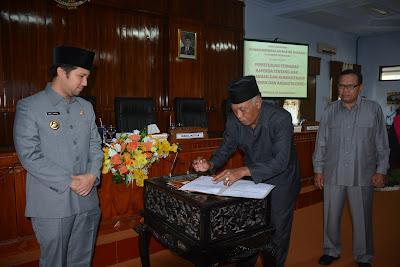 DPRD Setujui Ranperda Tentang Hak Keuangan dan Administratif Pimpinan dan Anggota DPRD Menjadi Perda