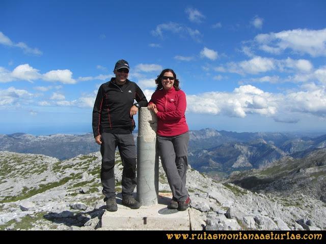 Ruta al Cabezo Llerosos desde La Molina: Cima