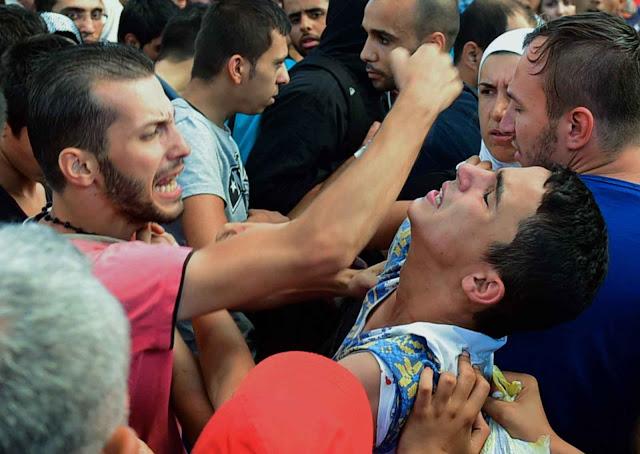 As agressões religiosas e étnicas inspiradas no Corão viraram moeda corrente nos asilos da Alemanha.