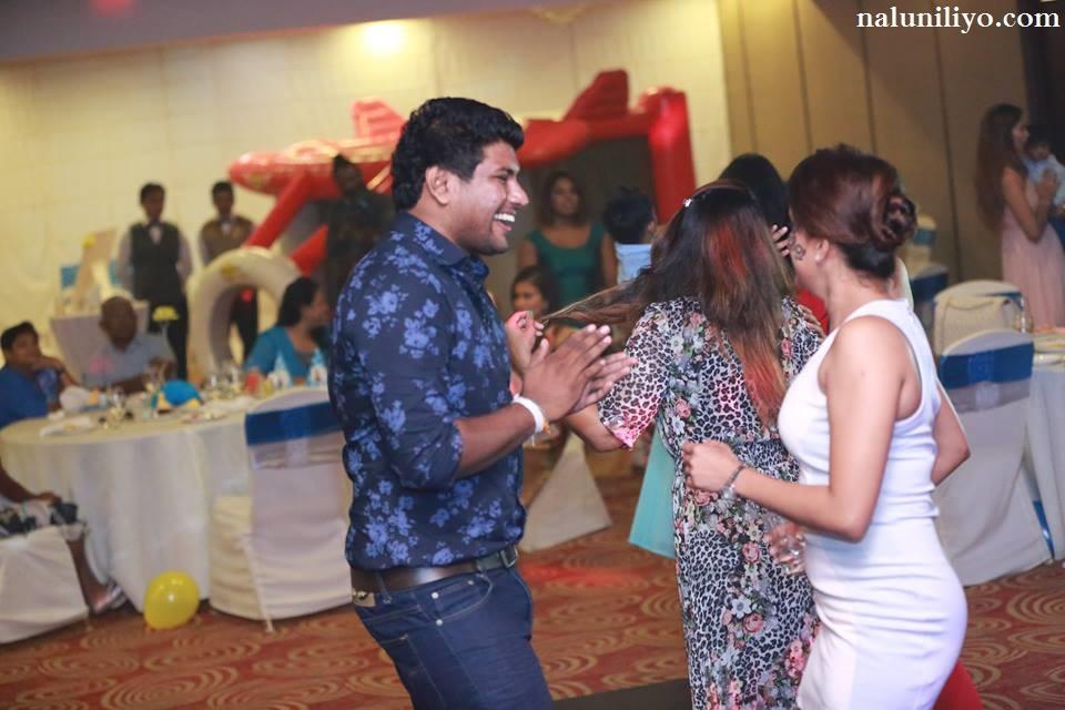 Nadeesha Hemamali hot dance