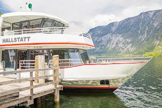 Passeio de barco no lago de Hallstatt, Áustria