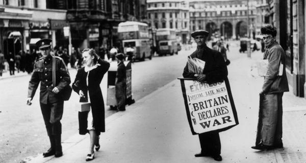 イギリスGDP・国債推移を1910年...