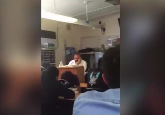 Video porno en las escuelas above told