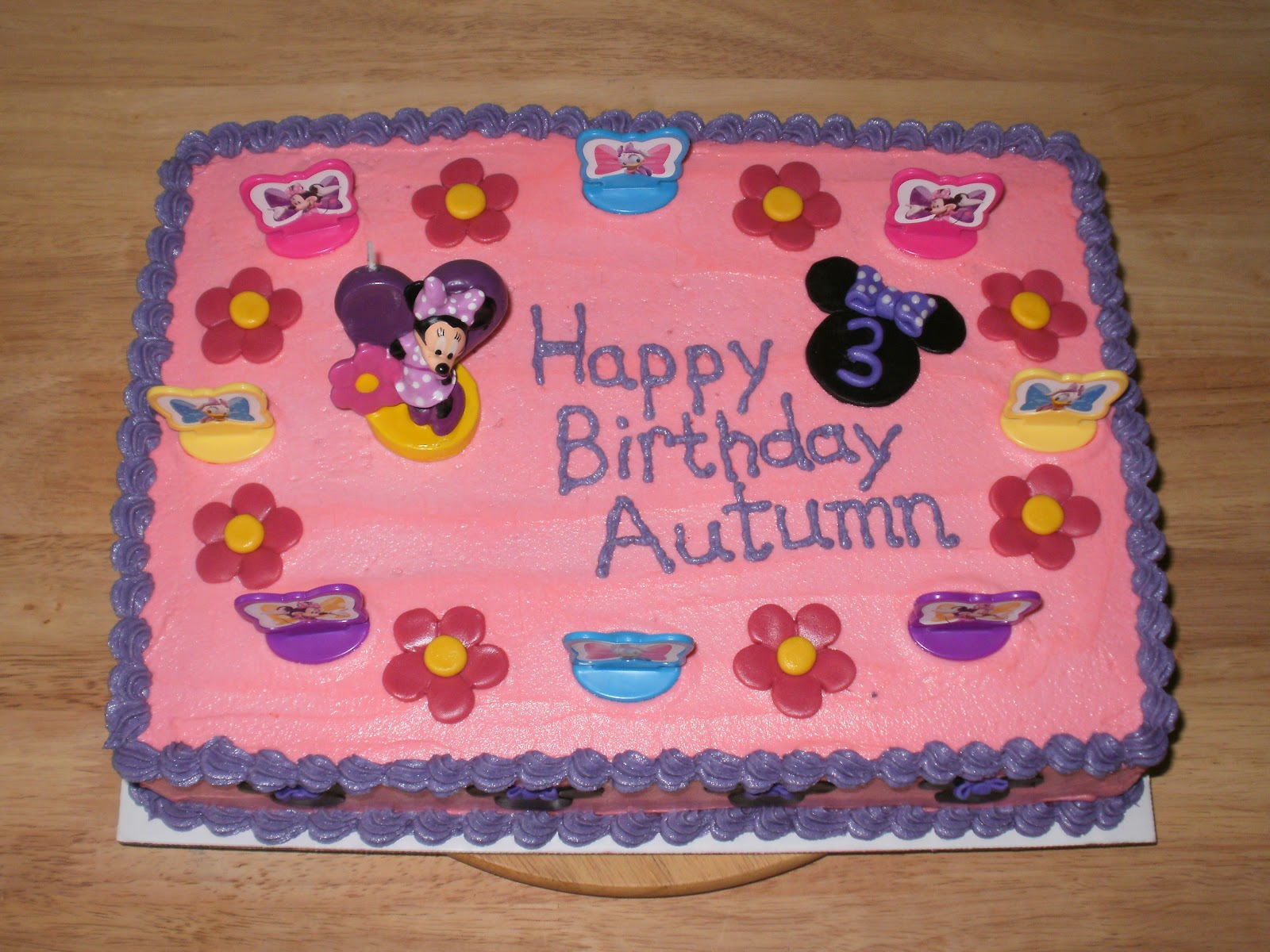 The Many Adventures of a Sunflour Cake Mom Minnie Mouse