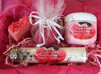 English Rose Spa Set will be quite enjoyable with its light scent of rose lingering in the air. It's like walking through an English rose garden on an early summer morning.