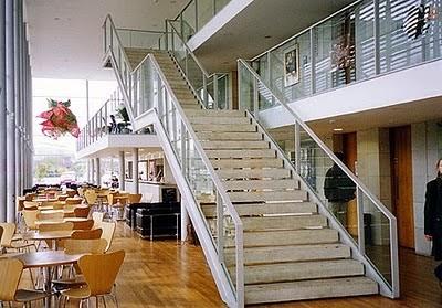 DESIGN TANGGA KAYU  Model Rumah Modern
