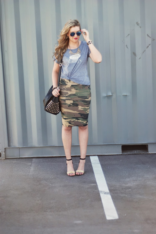 DRESS IT DOWN FEATURING MY SISTER'S TEE + GIVEAWAY!!