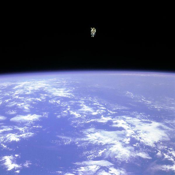 1st NASA astronaut dies