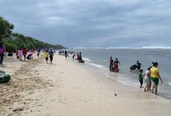 Harga Tiket Masuk Pantai Sayang Heulang Garut