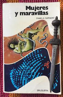 Portada del libro Mujeres y maravillas, de varios autores