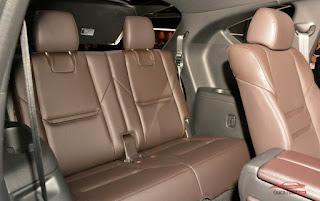 Hàng ghế ba rộng rãi CX8