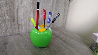 DELI 9139 Creative Apple Shape Plastic Pen Holder,pen holder,beautiful pen holder,desk pen holder,accessories holder,pens pencils scissors stapler holder,desk holder,unboxing,amazing pen holder,latest pen holder,office table holder,pin holder,pen stand,best pen stand,antique pen stand,antique pen holder,fancy pen stand,review,price,hands on,table decoration,study tables,office desks,counters