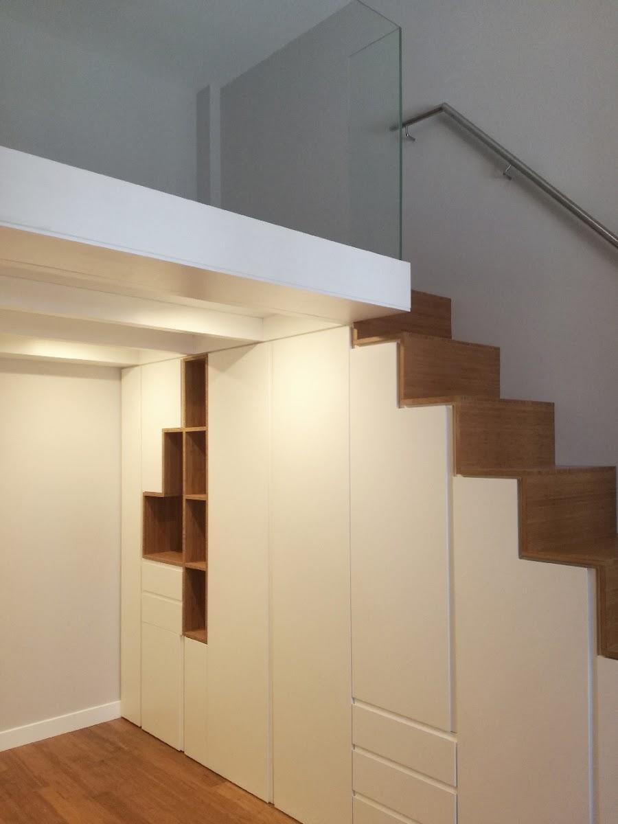 del espacio a travs de una entreplanta de madera