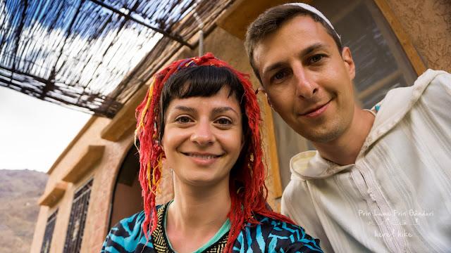 morocco-marakkesh-chefchaouen-bazaar-berber-clothing