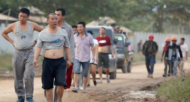 http://www.asalasah.com/2017/06/bukti-pekerja-asing-asal-china-bebas.html