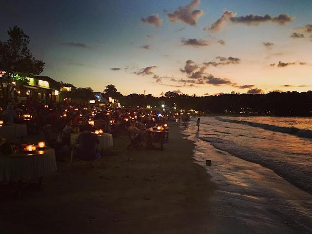 foto suasana di pantai jimbaran