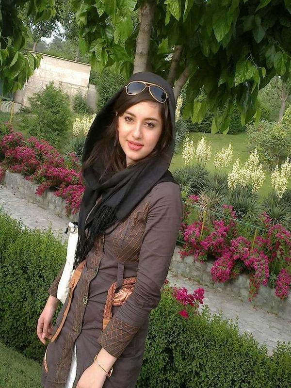 Pakistani Girls   Beautiful Wallpapers Download