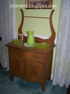 Wash stand in guest room https://jollettetc.blogspot.com