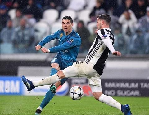 Mattia De Sciglio đã có một ngày thi đấu thực sự thảm họa giúp  cho hàng công Real Madrid bắn phá một cách thoải mái khung thành  của thủ môn Gianluigi Buffon.