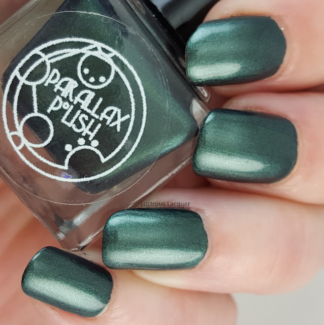 Deep-emerald-green-nail-polish