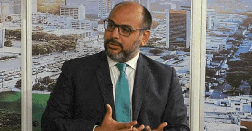 Es «interesante» propuesta de uso voluntario de falda escolar, sostuvo el Ministro de Educación, Daniel alfaro - www.minedu.gob.pe
