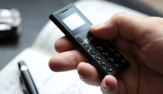 Elari NanoPhone C Ponsel Termungil di Dunia
