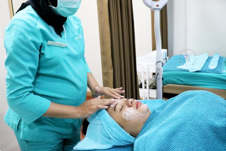 Facial DMK Maxine Clinic