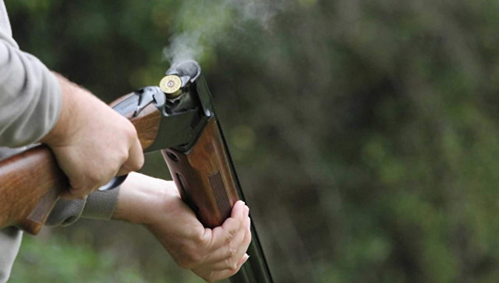 Di kira rusa seorang pemburu menembak seorang pria