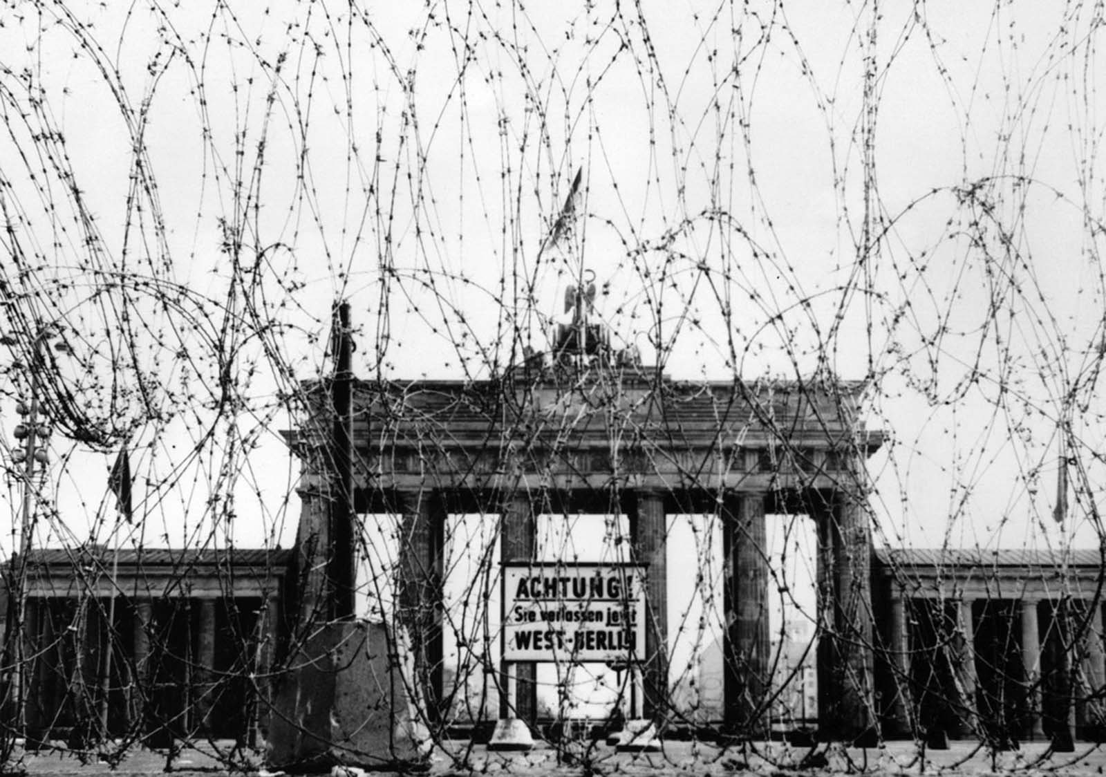 Barbed wire on the west side of the Brandenburg gate, put up as a