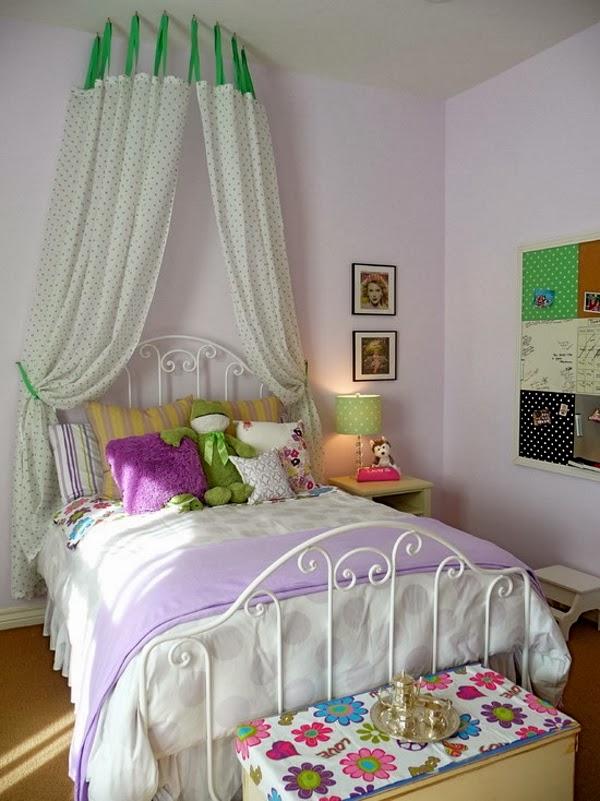 Habitación para chica con paredes lilas